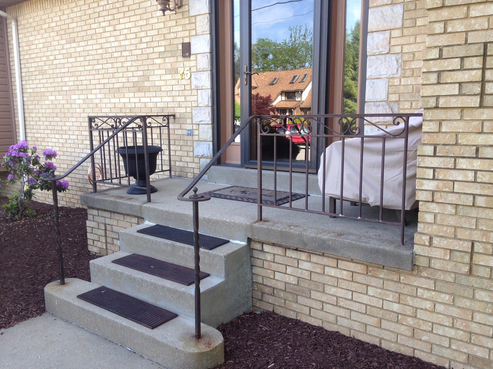 Pittsburgh, PA Railing Replacement - Before Photo