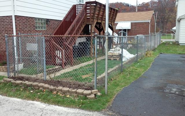 6 Foot Vinyl Privacy Fence in Pittsburgh, PA