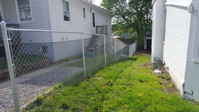 4' Galvanized Chain Link Installation in Ellwood City, PA
