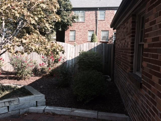 St Louis, MO Installation of a Vinyl Fence - Before Photo