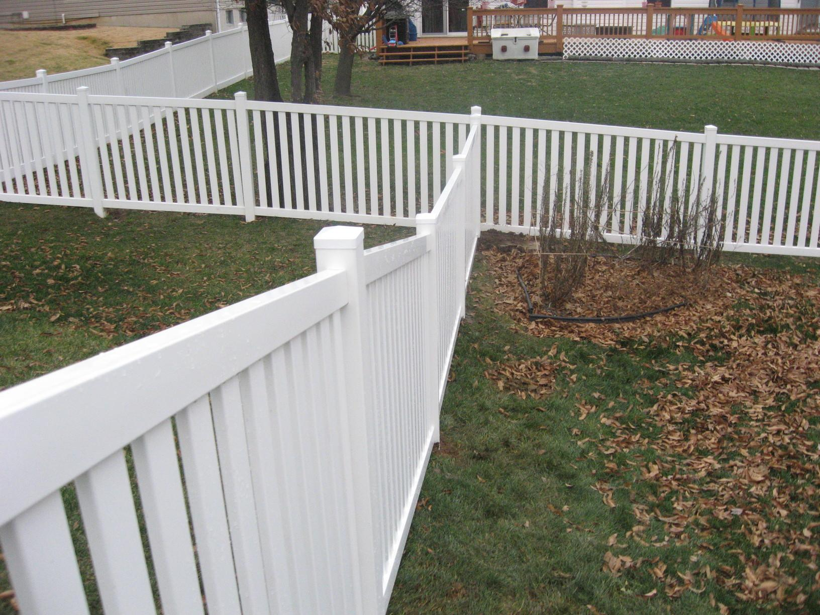 St Peters, MO Vinyl Fence Installation - After Photo