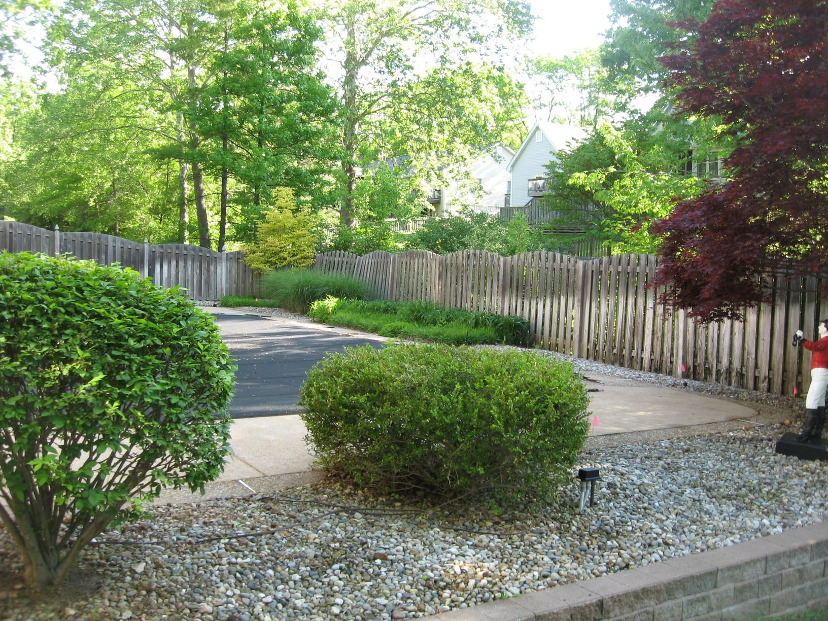 Ameristar Echelon Fence Installed in Des Peres, MO - Before Photo