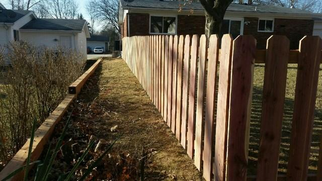 Chesterfield, MO Picket Fence Installation