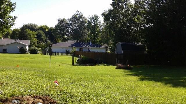 St Charles, MO Vinyl Fence Installation