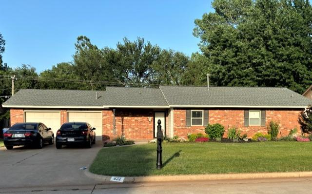 Mustang, OK - New Roof Installed