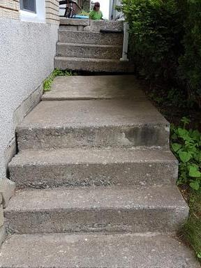 Shifted Staircase in Cowansville, QC - Before Photo