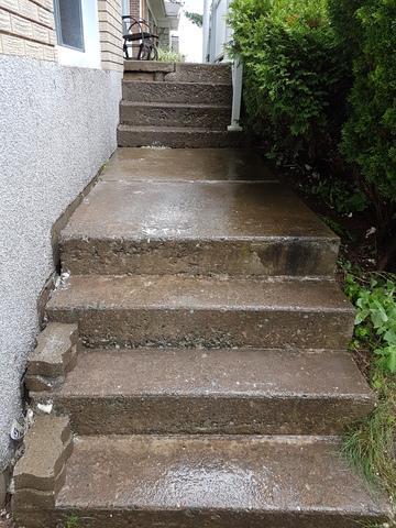 Des escaliers à Cowansville, QC - After Photo