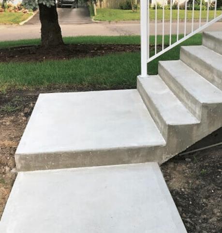 Rénovation complète de l'escalier et du trottoir à St-Jérôme, QC - Before Photo
