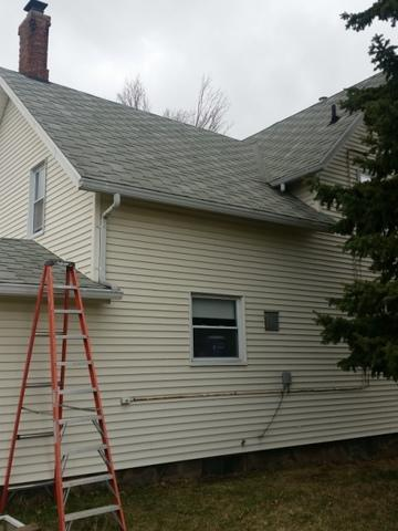 New asphalt roof in Bath, Michigan