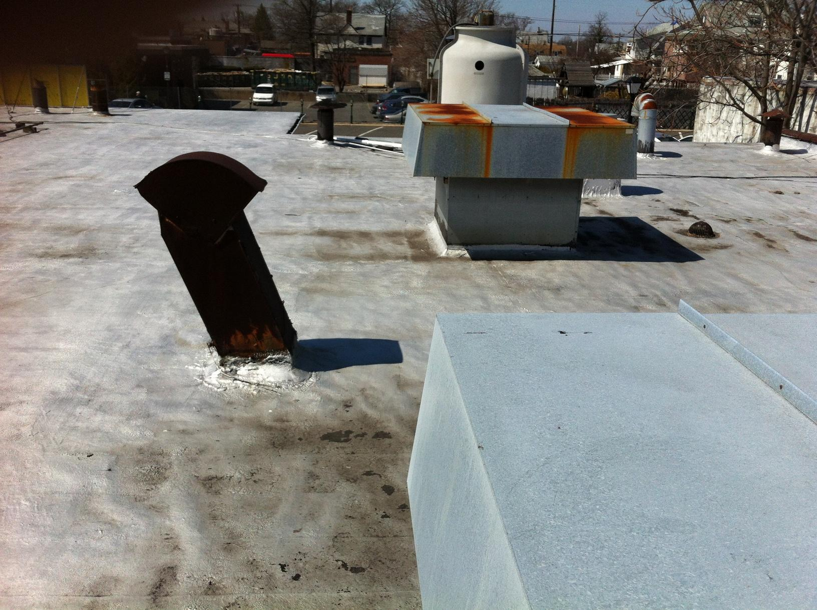 GacoFlex flat roof installation in Cedarhurst, NY - Before Photo