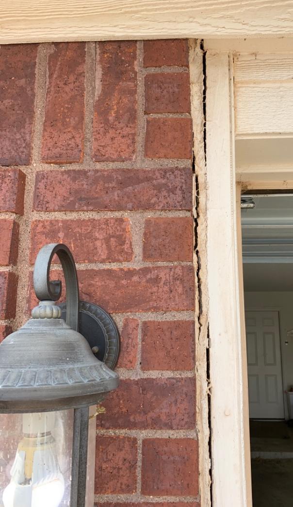 Closing cracks in bricks - Before Photo