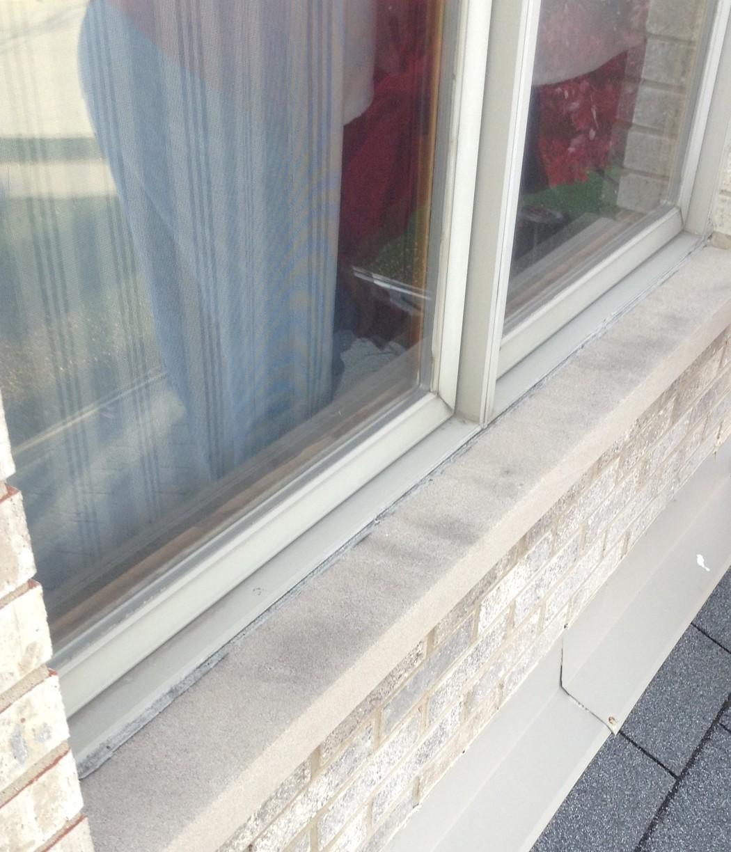 Caulking repair in Frankfort, IL - Before Photo