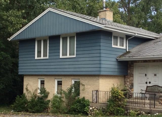 Siding and Roof Replacement on a Classic Home in Palos HIlls, IL