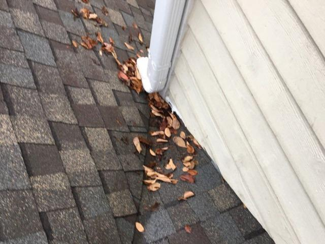 Woodridge, IL home with a siding leak at roof valley