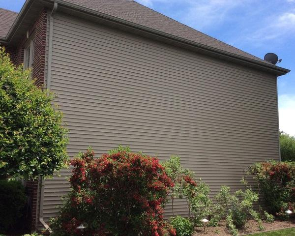 Damaged siding repair in Plainfield, IL