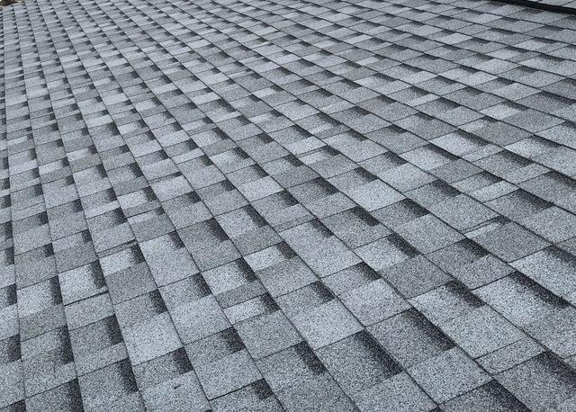 Replacing old roof in Lockport, IL