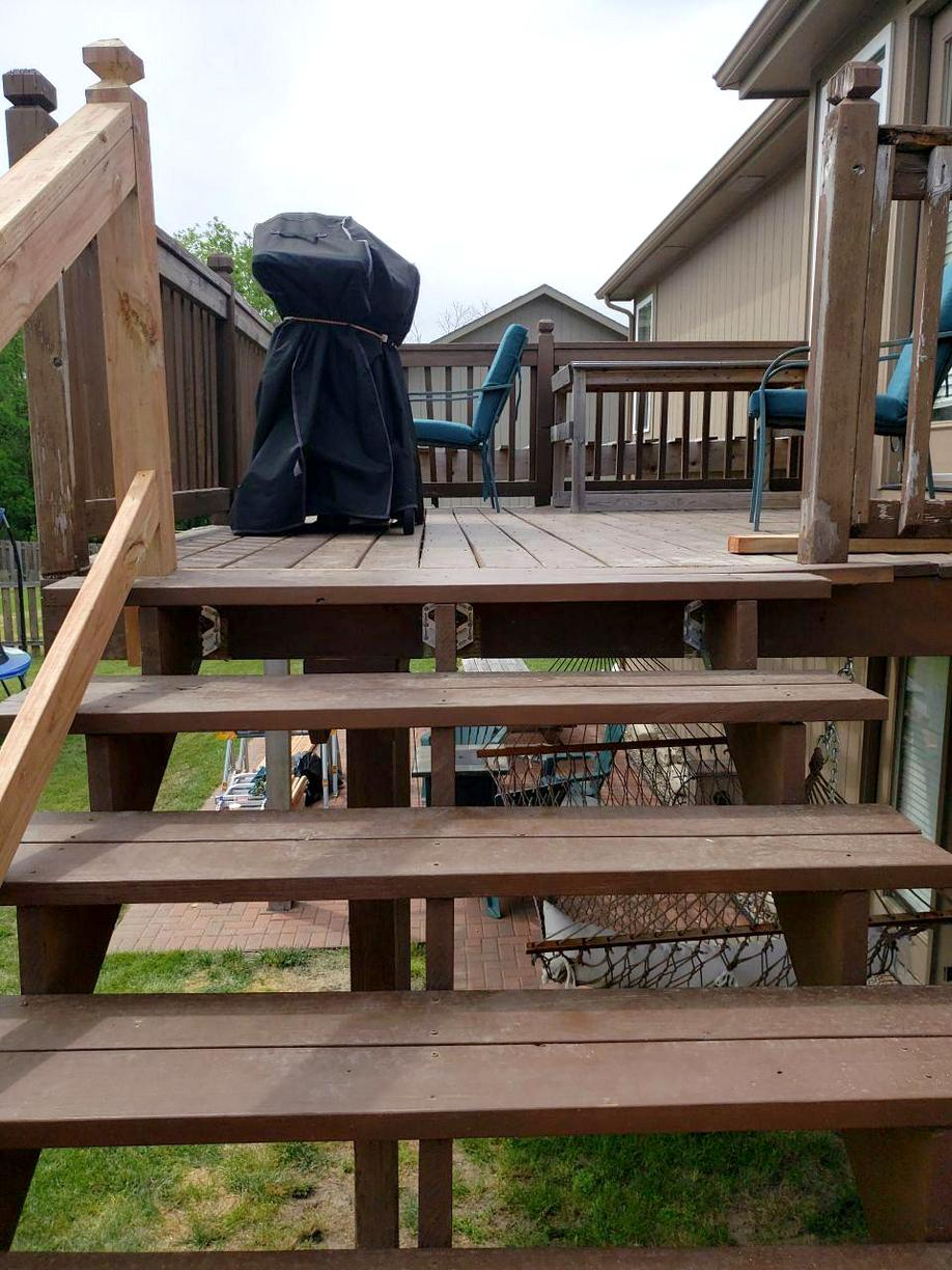 Deck in Kansas City, MO gets New Rails, Posts and Concrete Base - After Photo