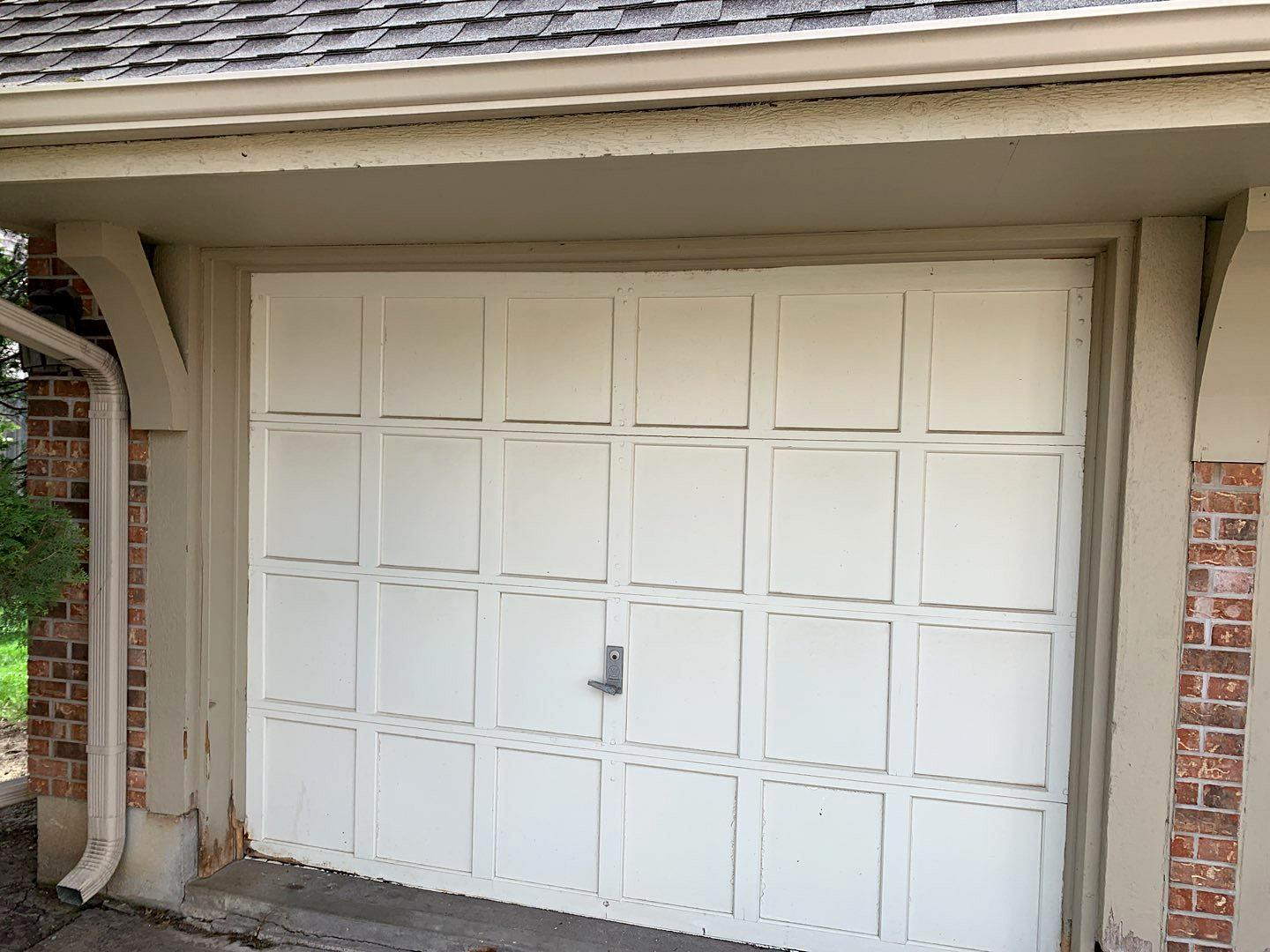 CHI Garage Doors Installed at Prairie Village, KS Home - Before Photo