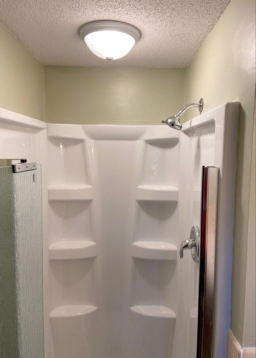 Gladstone, MO Upstairs Bathroom Gets a Makeover - After Photo