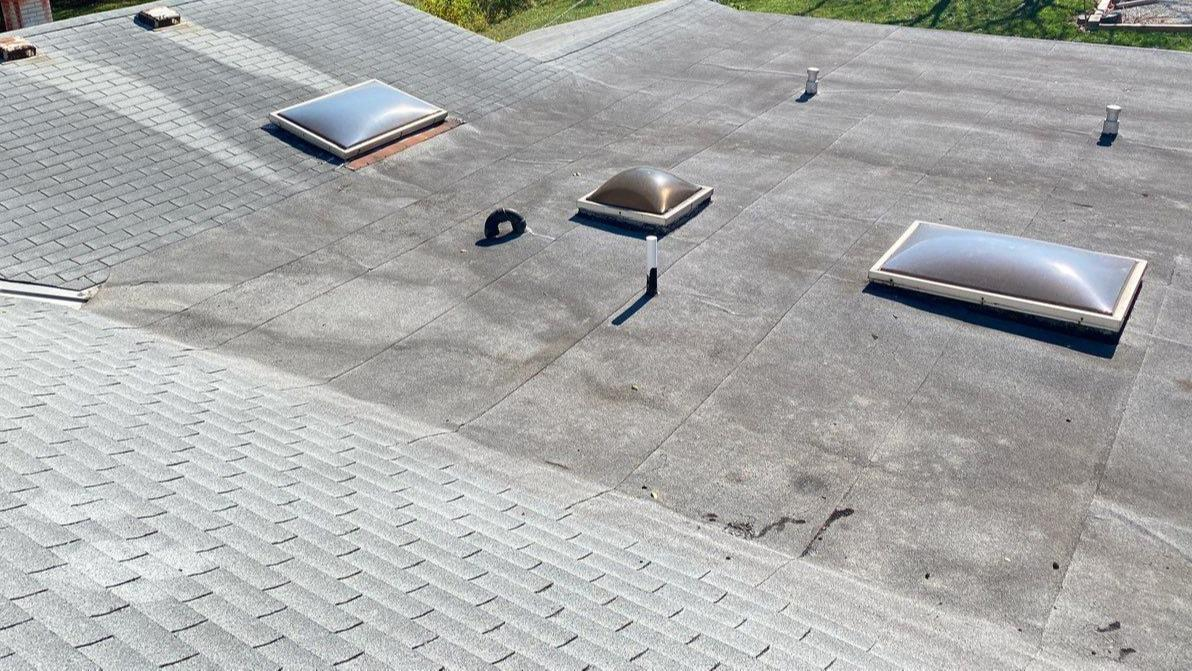 Roof Replacement (Owens Corning Duration Onyx Black) on Home in Raytown, MO - Before Photo