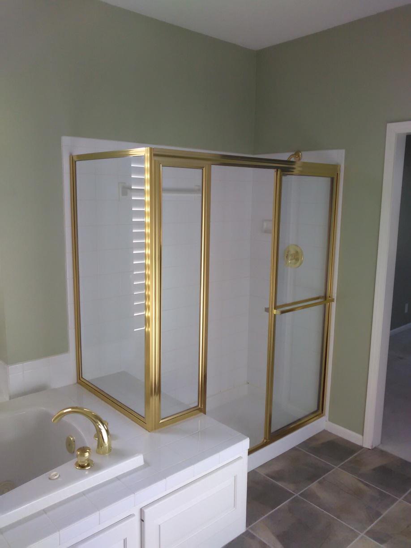 Bathroom Remodel in Leawood, KS - Before Photo