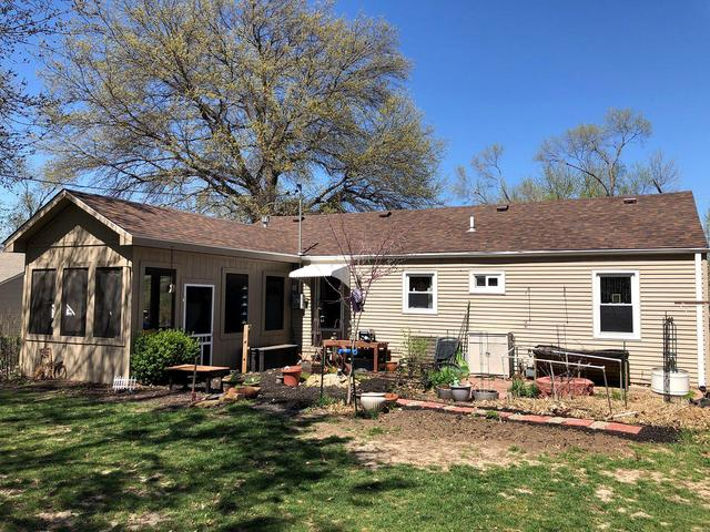 Shawnee, KS Home with New OC Duration Shingles & Gutters