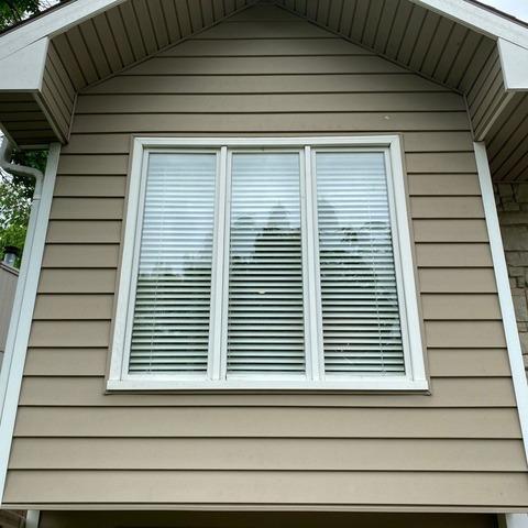 Vinylmax 2-Lite Slider Windows Installed on Kansas City, MO Home
