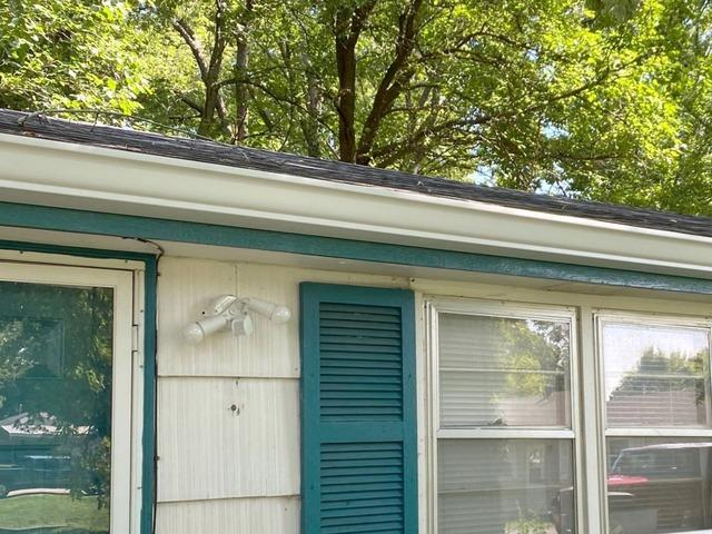 6 Inch Gutters & Bulldog Gutter Guards Installed on a Home in Kansas City, MO.
