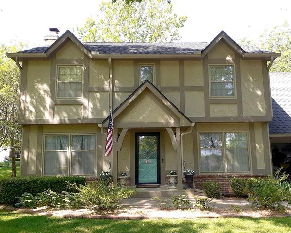 6 Inch Gutters Replacing the Old 5 Inch Gutters in Lawrence, KS