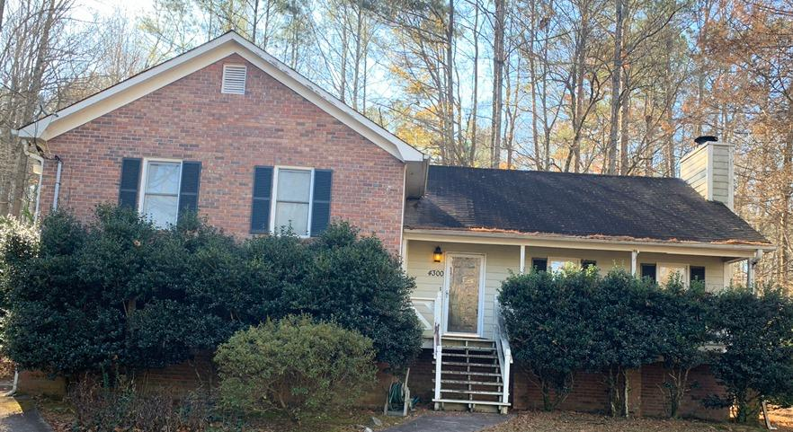 Roof and gutter replacement in Douglasville, GA - Before Photo