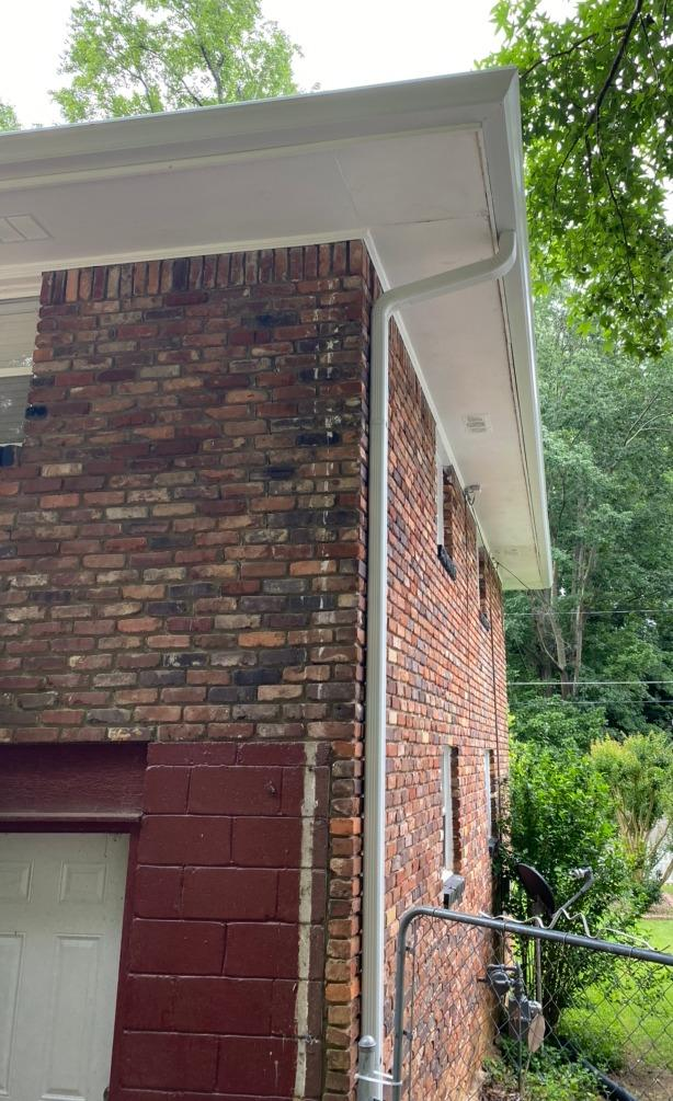New gutters, soffit and fascia in East Point, GA - After Photo