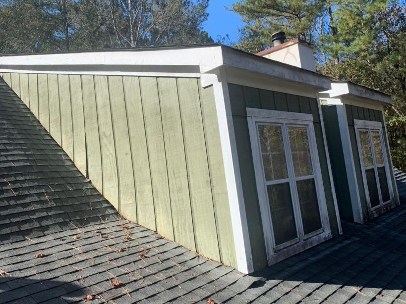 Hardie siding replacement and new gutters in Ellenwood, GA - Before Photo