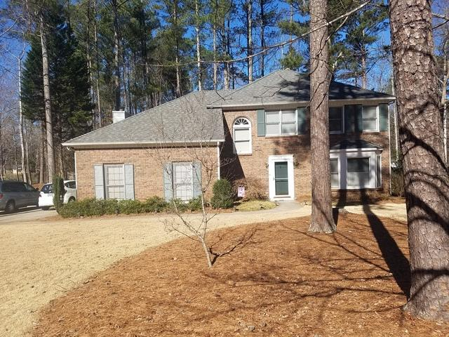 Window replacement in Peachtree City, Ga - Before Photo
