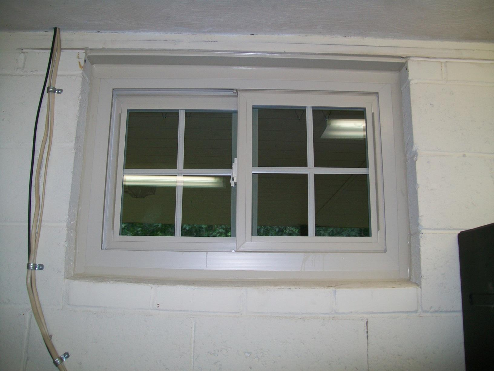 Single Garage Window Replacement in Murrysville, PA! - After Photo