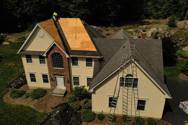 Replacement of roof in Woodbury, CT