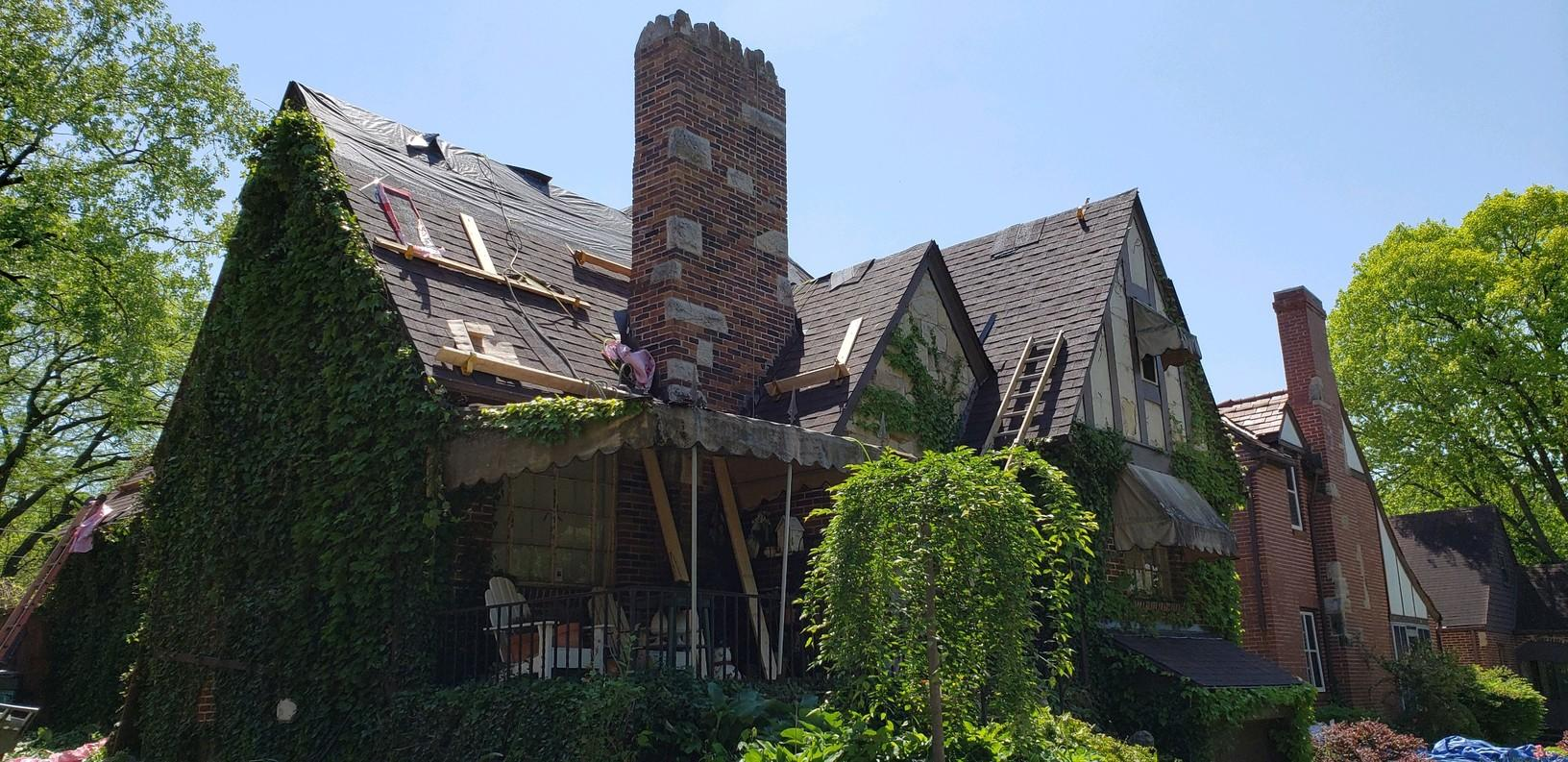 Historic Home Roof Replacement - Before Photo