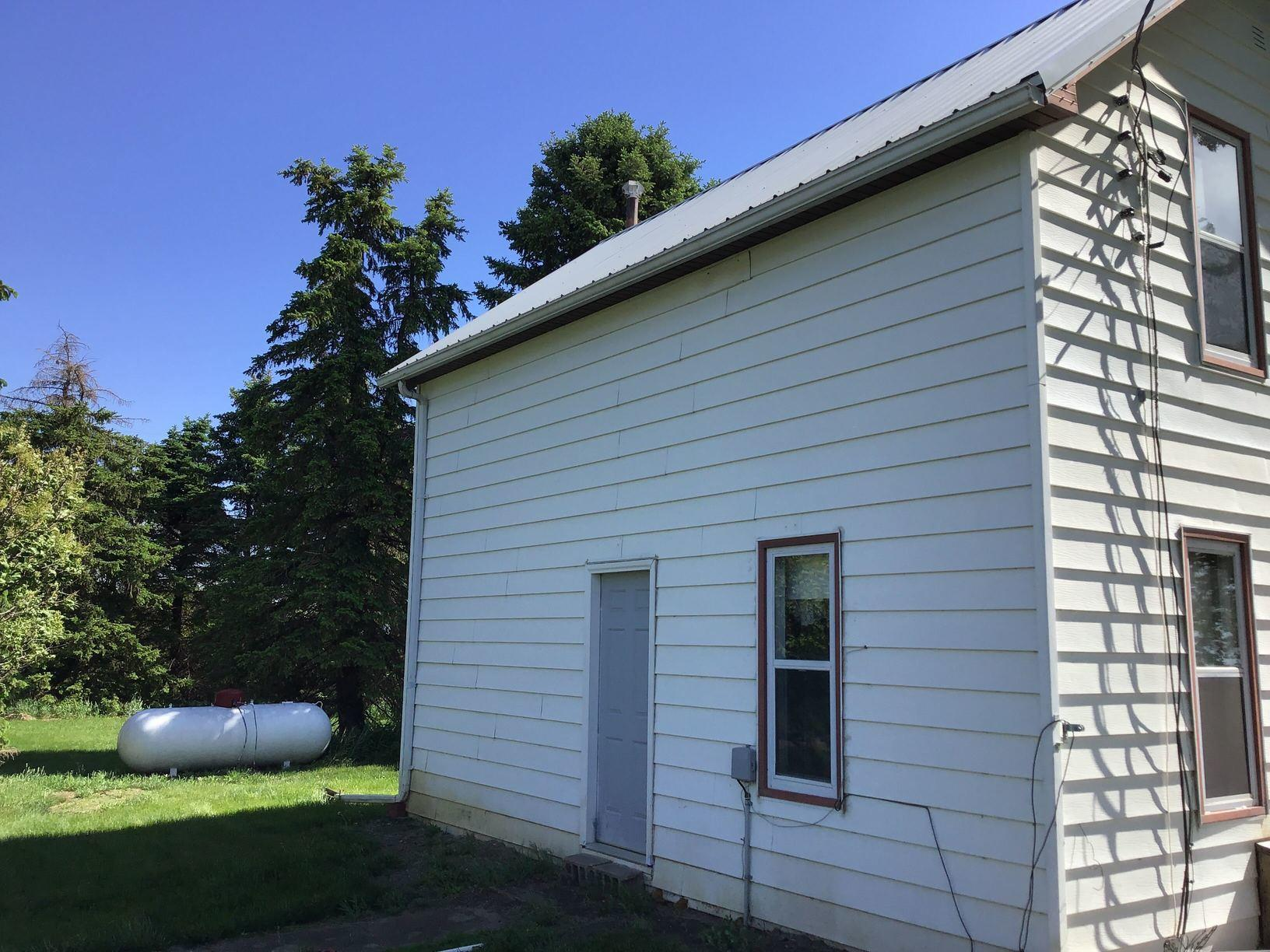 LeafGuard® Gutters - 46483 275th St. Lennox South Dakota 57039 - Before Photo