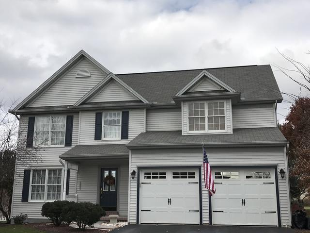 Installing a new roof just in time for the Holidays! Annville Pa