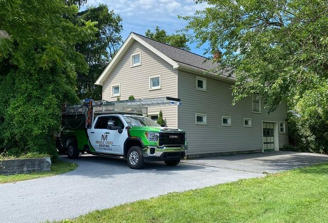 New Architectural Shingles Installed on this Garage in Richland, Pa
