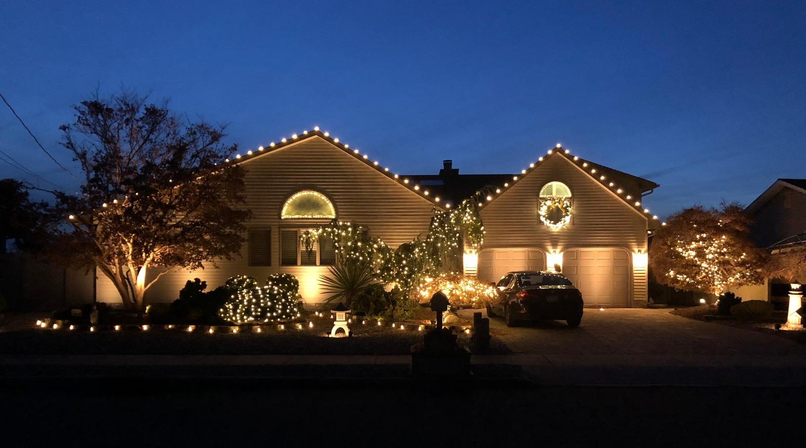 Christmas Lights in Toms River, NJ - After Photo