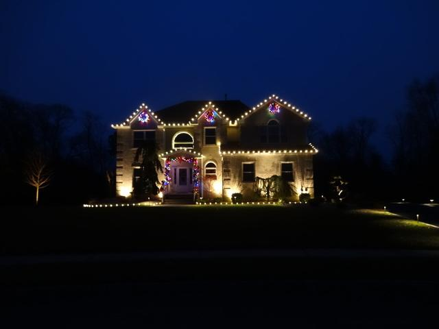 Christmas Decorating in Wall Township, NJ