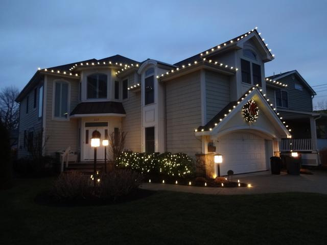 Simple and Festive Holiday Lights in Spring Lake, NJ!