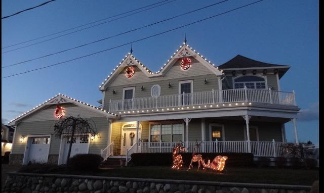 Christmas Lights on home in Oceanport, NJ