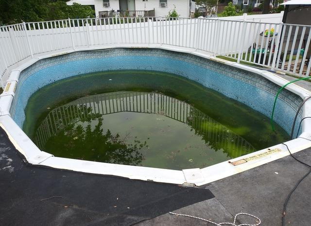 Liner Replacement on an Above Ground Pool in Belford, NJ