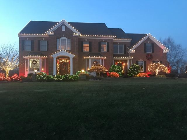 Professional Christmas Decorating in Allentown, NJ