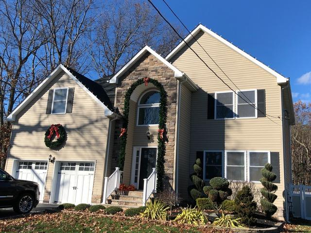 Professional Christmas Decorating in Howell, NJ