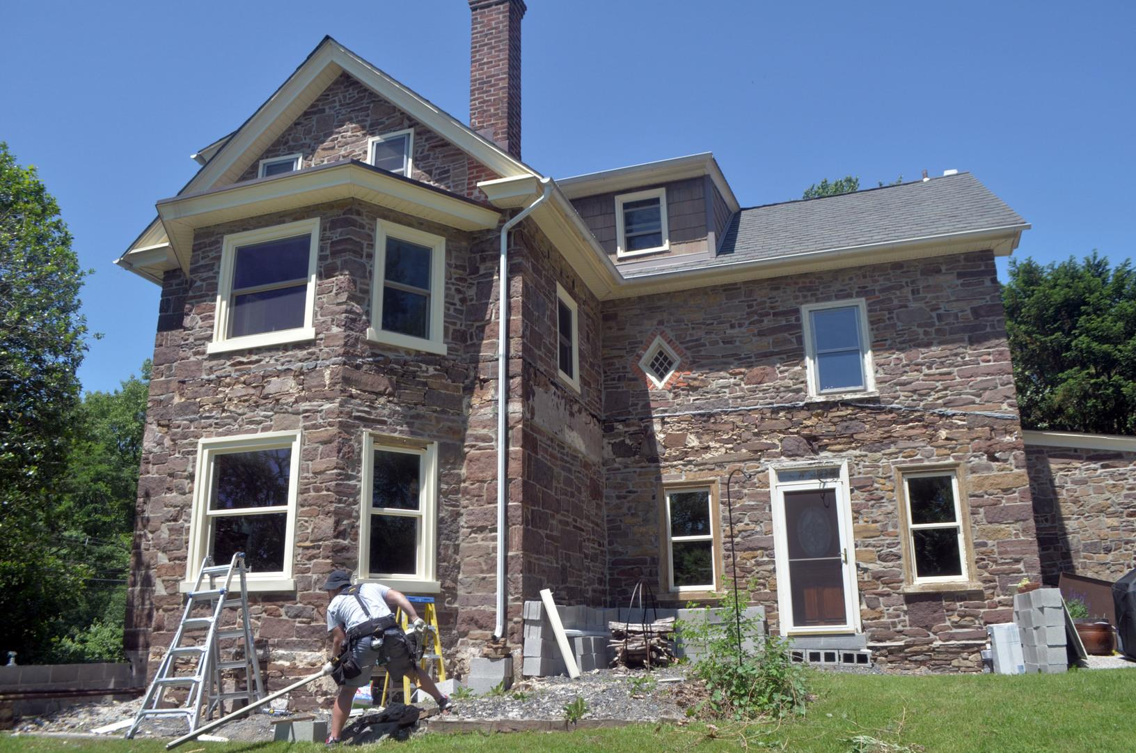 Marvin Infinity Fiberglass with Cashmere Exterior and White Interior Installation on Historic Home in Lansdale, PA - After Photo