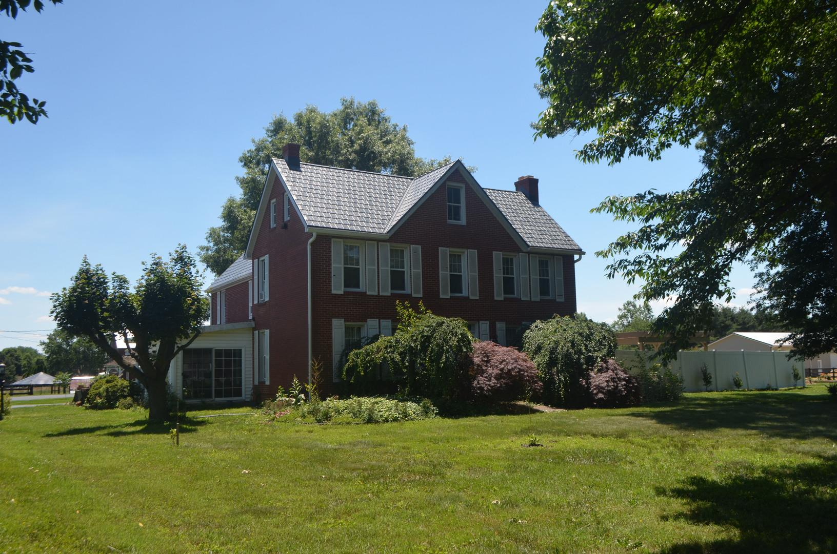 Stone Blend Metal Slate Roof Installation on Historic Home in Middletown, DE - After Photo