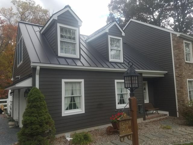 G-Tech Standing Seam Metal Roof and James Hardie Fiber Cement Siding in Glen Gardner, NJ