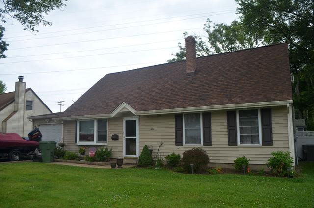 Brown Wood Owens Corning Shingles and Vintage Wicker 5